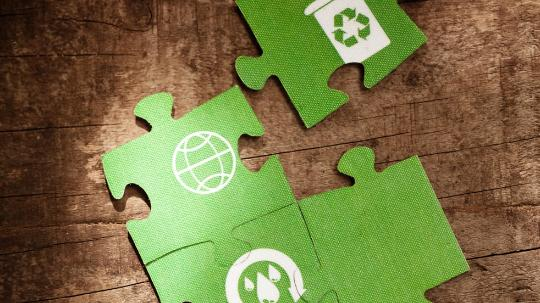 A green-environment jigsaw puzzle