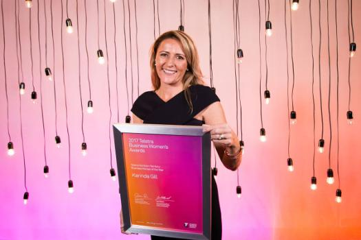 Karinda Gill with her 2017 Telstra Northern Terriroty Business Woman of the Year Award.
